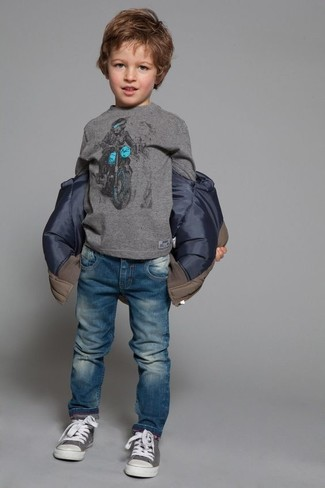 How to Wear a Grey Long Sleeve T-Shirt For Boys: Reach for a grey long sleeve t-shirt and blue jeans for your munchkin for a laid-back yet fashion-forward outfit. This outfit is complemented really well with grey sneakers.