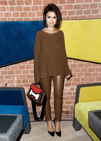 How to wear: brown knit oversized sweater, brown leather skinny pants, black suede pumps, multi colored leather satchel bag