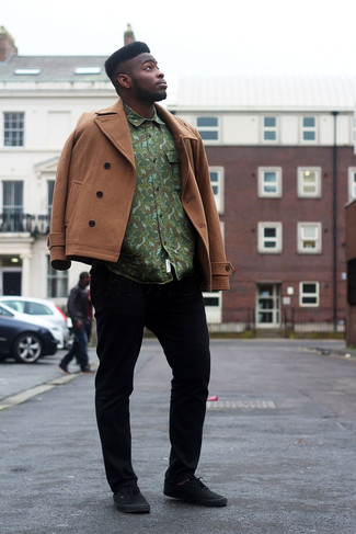 Rock a brown coat with black casual trousers if you're going for a neat, stylish look. Choose a pair of black low top sneakers to loosen things up. Nothing like a knockout outfit to brighten up a dull autumn day.