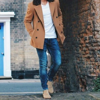 How to wear: brown pea coat, white crew-neck t-shirt, navy skinny jeans, beige suede chelsea boots