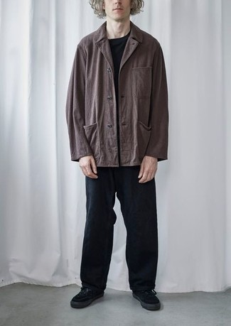 Jacket Outfits For Men: A jacket and black chinos paired together are the ideal outfit for gents who love classy styles. For something more on the daring side to finish your outfit, introduce a pair of black canvas low top sneakers to the mix.