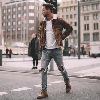 How to wear: brown suede shirt jacket, white crew-neck t-shirt, light blue ripped skinny jeans, brown suede casual boots