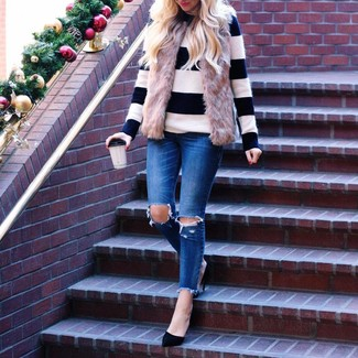Busy days call for a simple yet stylish outfit, such as a white and black horizontal striped crew-neck sweater and blue ripped skinny jeans. Up the ante of your getup with black suede pumps. This getup is a pretty wonderful idea, especially for autumn, when the temperatures are dipping.