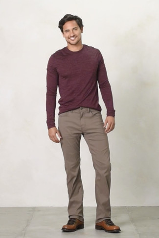How to wear: burgundy crew-neck sweater, brown chinos, brown leather work boots