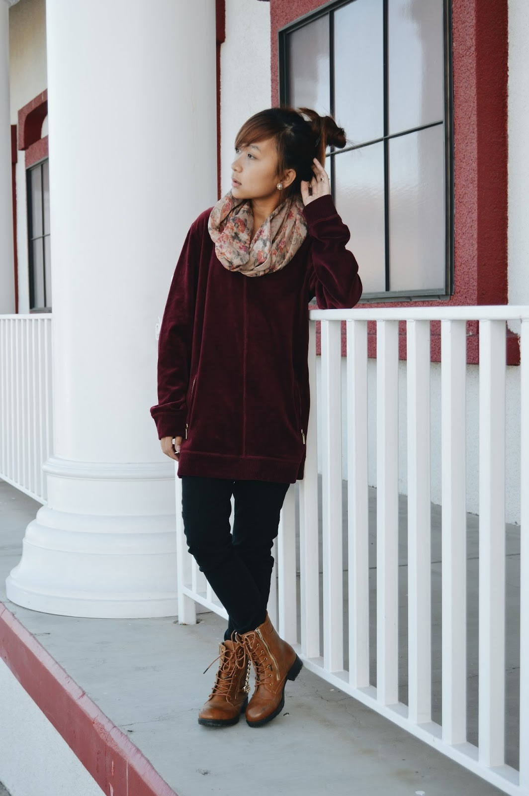 How to Wear a Burgundy Oversized Sweater (24 looks) | Women's Fashion
