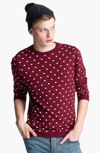 Consider wearing a burgundy polka dot crew-neck sweater and a beanie to effortlessly deal with whatever this day throws at you. This combo is absolutely great to welcome the springtime.