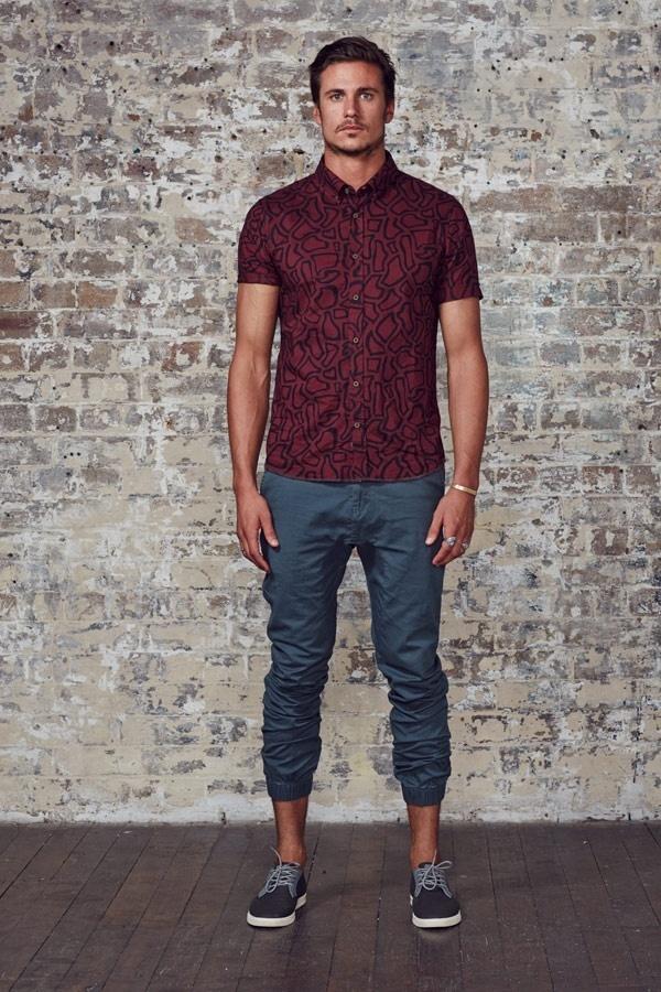 How to Wear a Burgundy Short Sleeve Shirt (7 looks) | Men's Fashion