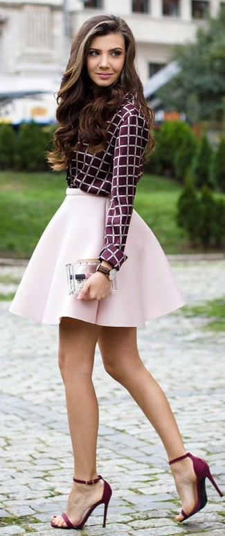 A purple check button front blouse and a skirt are a great outfit formula to have in your arsenal. Complement this look with purple suede heeled sandals.