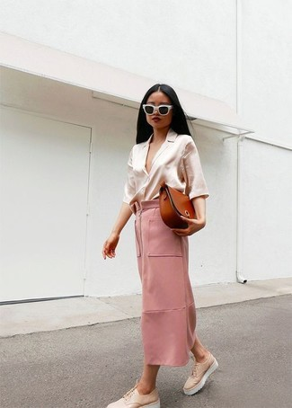 How to wear: beige silk button down blouse, pink maxi skirt, beige chunky leather oxford shoes, tobacco leather crossbody bag