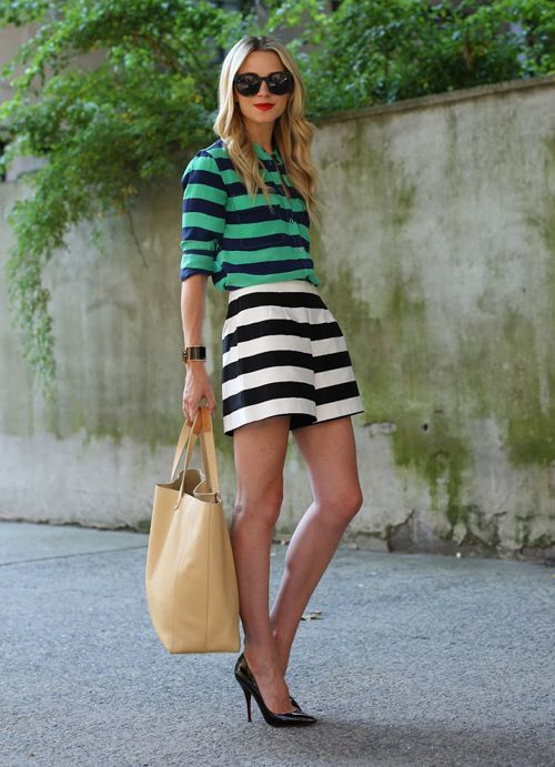 How to Wear White and Navy Horizontal Striped Shorts (5 looks ...