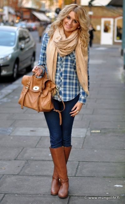 How To Wear A White And Blue Plaid Button Down Blouse 1 Looks