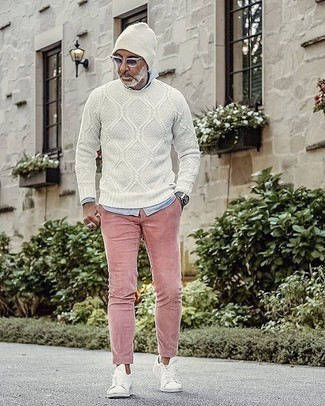 White Beanie Outfits For Men: A white cable sweater and a white beanie are among the key items in any modern gent's functional casual wardrobe. Hesitant about how to round off this look? Finish off with a pair of white canvas low top sneakers to bump up the fashion factor.