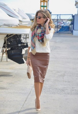 How to wear: white cable sweater, brown leather pencil skirt, beige leather pumps, beige leather clutch