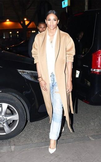 Camel coat white dress shirt light blue boyfriend jeans white pumps large 9434