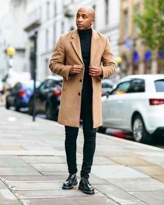 Men's Outfits 2020: Why not consider wearing a camel overcoat and black skinny jeans? These two pieces are very practical and will look amazing together.
