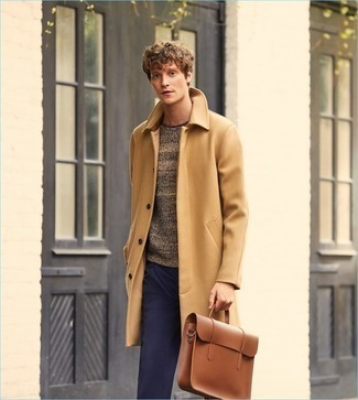 Brown Leather Briefcase Outfits: The combination of a camel overcoat and a brown leather briefcase makes this a killer relaxed ensemble.