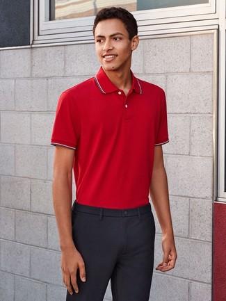 Cómo combinar: camisa polo roja, pantalón de vestir azul marino