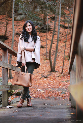 How to wear: pink cape coat, charcoal leopard crew-neck sweater, dark green skinny jeans, tobacco leather ankle boots