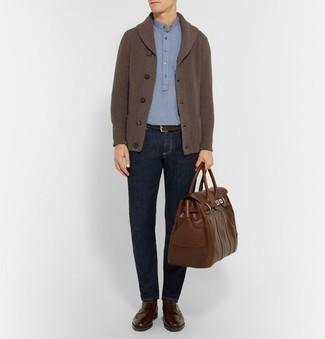 9fb09e800102a Pour une tenue de tous les jours pleine de caractère et de personnalité  pense à harmoniser Polo bleu clair Cardigan à col châle ...