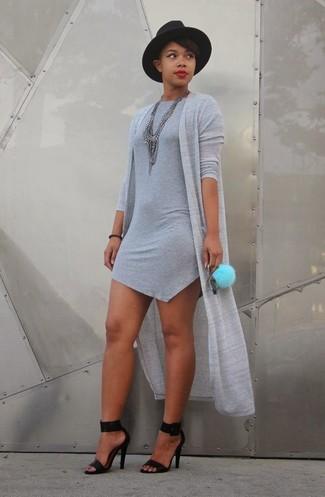 ... Haz de un cárdigan abierto gris y un vestido ajustado gris tu atuendo  para conseguir una 9476a88c46e1