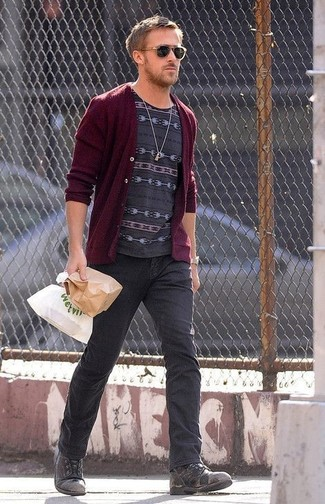 How to wear: burgundy cardigan, charcoal print crew-neck t-shirt, charcoal jeans, charcoal leather casual boots