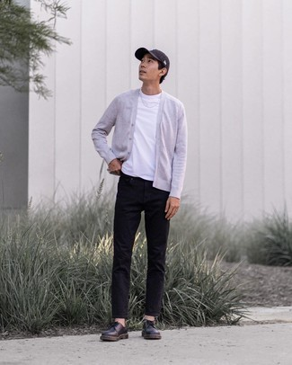 Black Chunky Leather Derby Shoes Outfits: A grey cardigan and black jeans are a great getup to have in your current casual repertoire. For something more on the classy side to finish off this look, throw black chunky leather derby shoes into the mix.