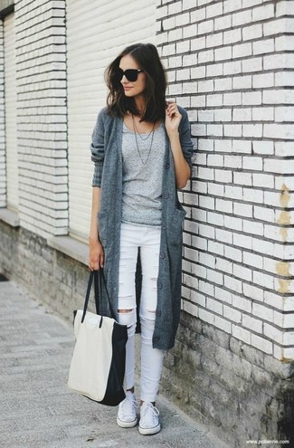 How to wear: grey knit cardigan, grey crew-neck t-shirt, white ripped skinny jeans, white canvas low top sneakers