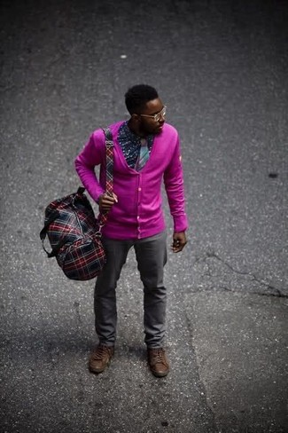 How to wear: hot pink cardigan, navy print long sleeve shirt, charcoal chinos, dark brown leather casual boots