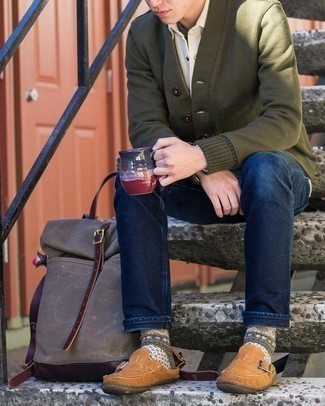 Brown Suede Loafers Outfits For Men: An olive cardigan and navy jeans are an easy way to introduce effortless cool into your off-duty styling collection. Get a little creative with shoes and dress up your outfit with brown suede loafers.