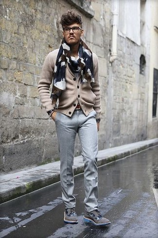 Bracelet Outfits For Men: Why not consider teaming a beige cardigan with a bracelet? These two items are super comfortable and will look good worn together. Dress up your outfit with a pair of grey suede brogues.