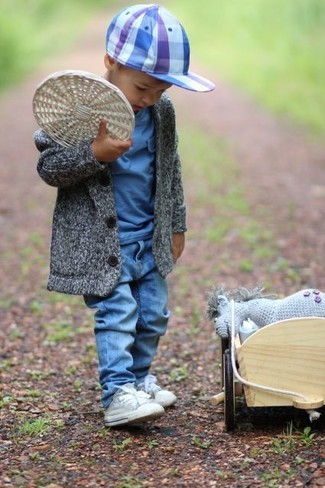 Consider dressing your little man in a grey cardigan with blue jeans to get a laid-back yet stylish look. The obvious footwear choice here is grey sneakers.
