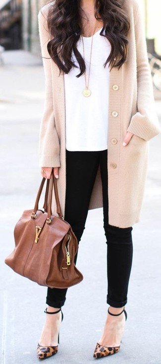 A beige cardigan and bottom will showcase your sartorial self. This outfit is complemented perfectly with brown animal leather pumps. We love this one, especially for the spring season.