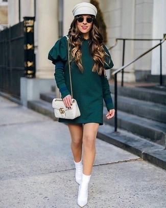 How to wear: dark green casual dress, white elastic ankle boots, beige quilted leather crossbody bag, beige cap