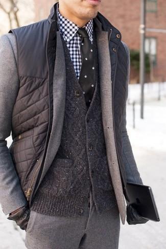 Corbata de seda a lunares en negro y blanco de Kiton