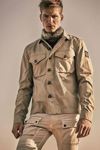 Cómo combinar: chaqueta campo marrón claro, pantalón cargo marrón claro