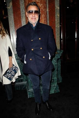 Cómo combinar: chaquetón azul marino, camisa de manga larga azul marino, vaqueros de pana azul marino, botines chelsea de cuero negros