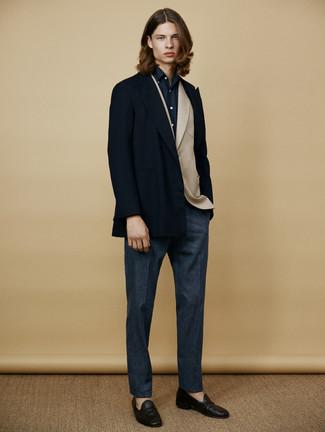 Cómo combinar: chaquetón azul marino, blazer de lana en beige, camisa de vestir azul marino, pantalón de vestir de lana azul marino