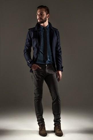 Cómo combinar: chaquetón azul marino, camisa vaquera azul marino, vaqueros en gris oscuro, botas casual de ante en marrón oscuro