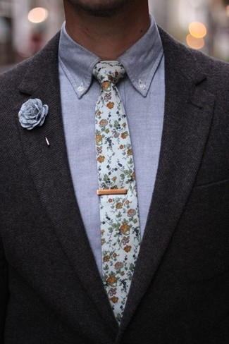 How to Wear a Grey Chambray Dress Shirt For Men: This combo of a grey chambray dress shirt and a charcoal wool blazer resonates manly elegance.