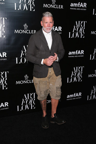 Nick Wooster wearing Charcoal Linen Blazer, White Dress Shirt, Tan Shorts, Black Leather Oxford Shoes