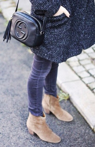 How to wear: charcoal coat, grey skinny jeans, tan suede ankle boots, black leather crossbody bag