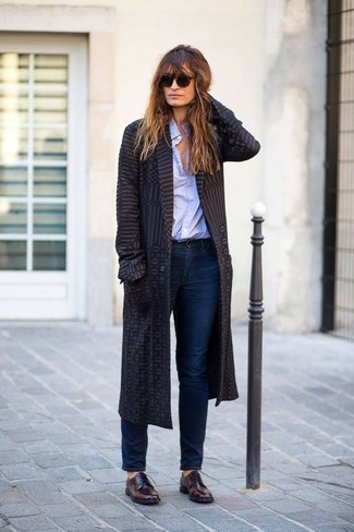 Burgundy Leather Oxford Shoes Outfits For Women: This relaxed combination of a charcoal coat and navy jeans is ideal when you need to look chic in a flash. Let your styling prowess truly shine by finishing this ensemble with a pair of burgundy leather oxford shoes.
