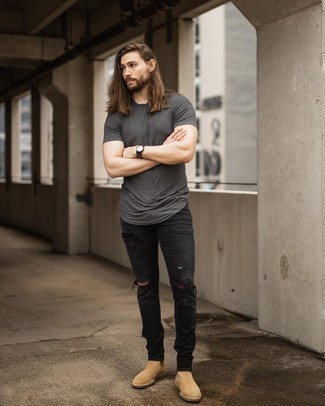 Black Jeans with Tan Suede Chelsea Boots Summer Outfits For Men: Consider pairing a charcoal crew-neck t-shirt with black jeans to get an edgy and absolutely dapper look. Rounding off with tan suede chelsea boots is a simple way to inject a dose of polish into this outfit. We love how perfect this ensemble is come boiling hot sunny days.