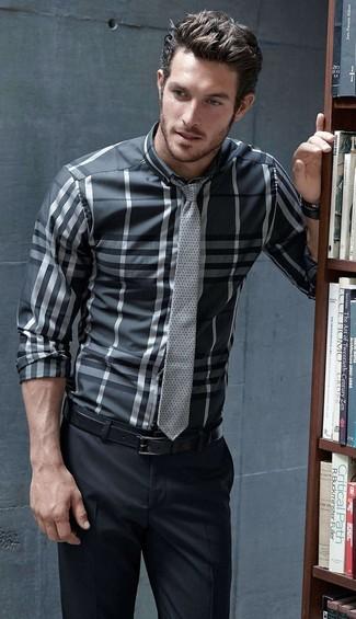 How to Wear a Charcoal Plaid Long Sleeve Shirt For Men: Go all out in a charcoal plaid long sleeve shirt and black dress pants.