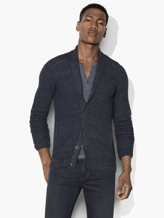 A Hugo Boss men's Textured Henley and charcoal jeans is a nice combination to add to your casual lineup. We love that this outfit is great when chillier days are here.