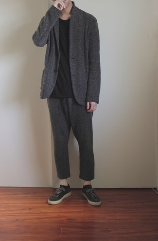 Black No Show Socks Outfits For Men: A charcoal wool suit and black no show socks are among the crucial items in any modern gentleman's versatile casual closet. Let your styling prowess really shine by finishing off this look with charcoal canvas low top sneakers.
