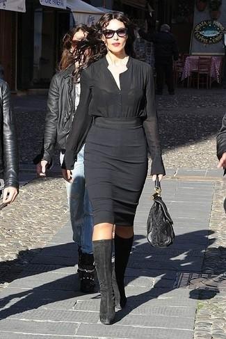 Chemisier boutonne noir jupe crayon noire bottes hauteur genou noires large 13810