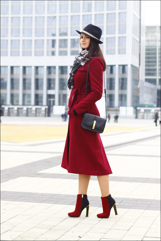 Яркое пальто на ранюю весну 90 фото! / с чем носить