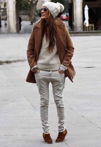 How to wear: brown coat, beige cable sweater, beige jeans, brown suede chelsea boots