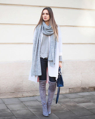 knitted scarf with appliqu